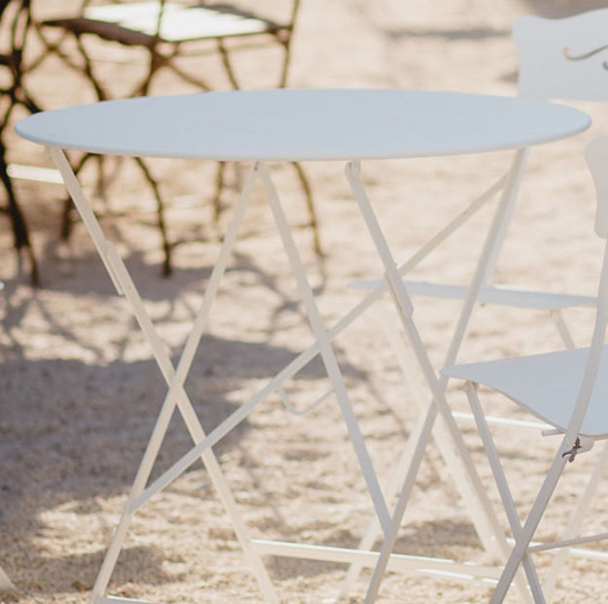 9506-01_Mesa Bistro de 77 cms. color blanco